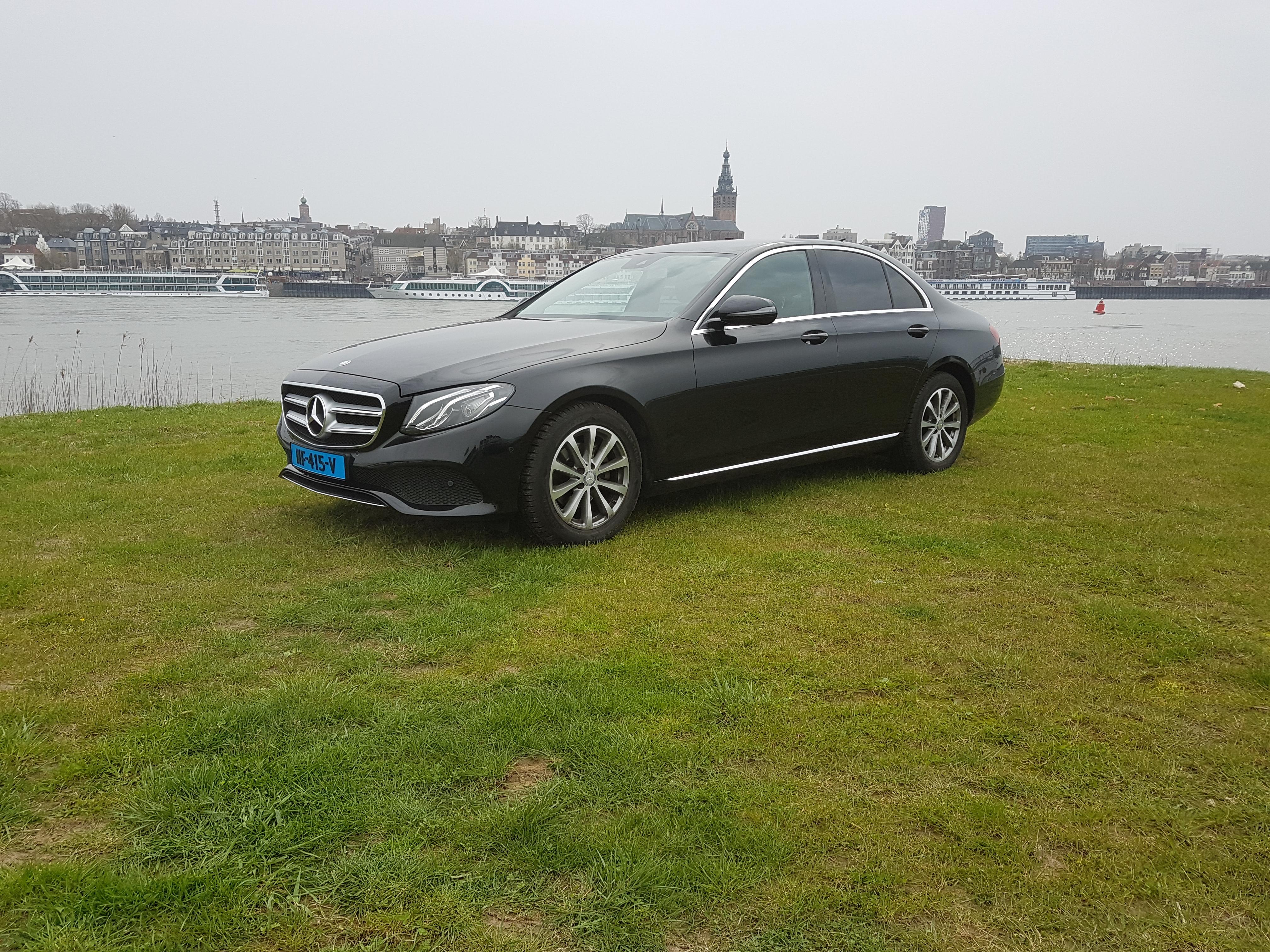 Mercedes - Taxi de Swart